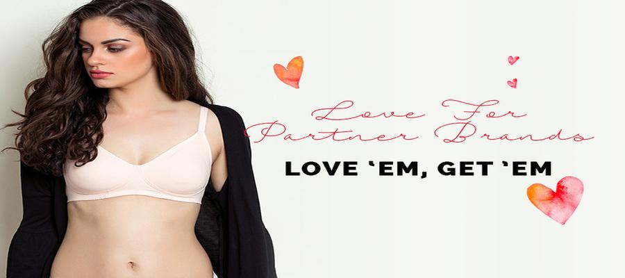 Cotton Bra - Explore the variety of best Cotton Bras like strapless bra, push-up bra, bralette & more at high quality and perfect fit. Buy Cotton Bras online in various sizes on Lovebird Lingerie.